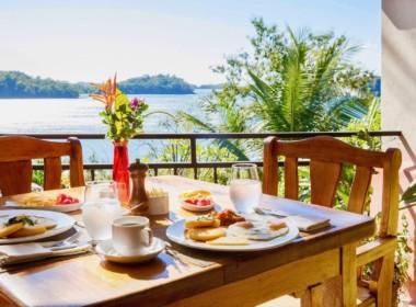 large_8._Panamanian_Breakfast
